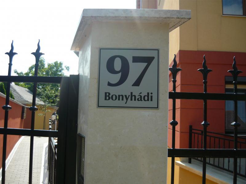 Bonyhádi u. 97